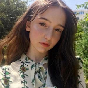 超美长发欧美女生微信头像图片