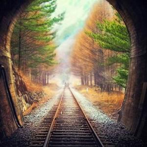 火车轨道的唯美头像