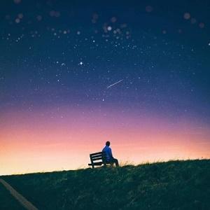 独自夜晚一人看流星风景头像