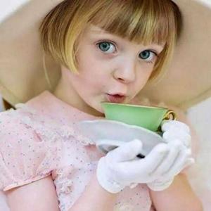 外国小孩头像_个性可爱大眼外国小孩微信头像