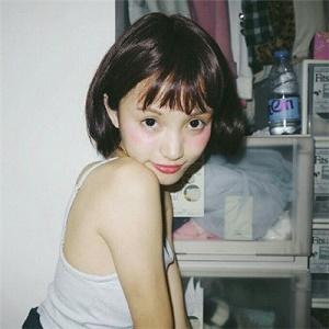 超清新可爱短发美女微信头像3